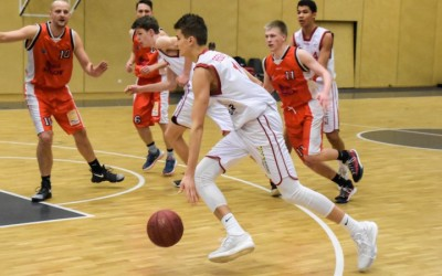 Henri Drell (2. Regionalliga, weißes Trikot, Regnitztal Baskets), Copyright: Brose Bamberg Youngsters