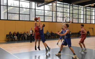 Kilian Dull (rotes Trikot, Regnitztal Baskets), Copyright: Brose Bamberg Youngsters